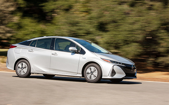 Toyota wins back-to-back world green car awards