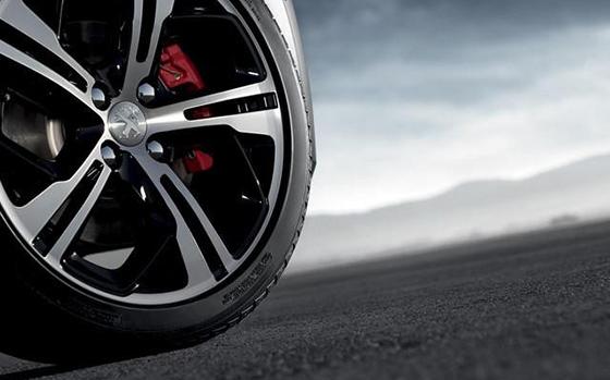 Peugeot 208 GTi brakes