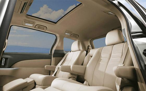 Toyota Tarago interior